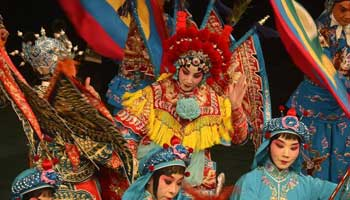 Peking Opera staged to commemorate 120th anniversary of Mei Lanfang