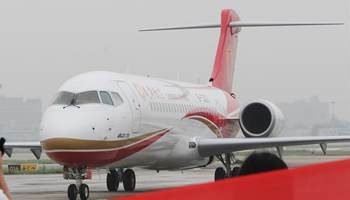 China's first regional jet starts commercial operation