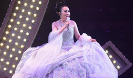 Liza Wang holds concert to mark 50th anniv. of acting career in HK