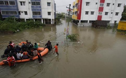 200,000 evacuated as cyclone Nivar triggers heavy rain in India's Tamil Nadu, Puducherry